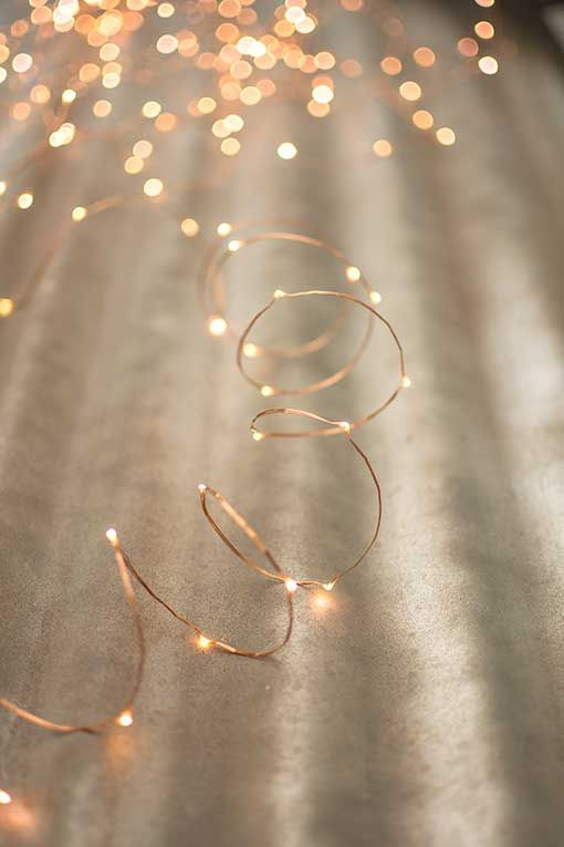 This Strand Showcases 400 Tiny Warm White LED Lights On Ultra Thin Wire,  Affording Much