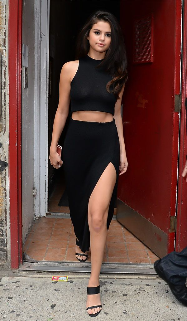 Street style look Selena Gomez