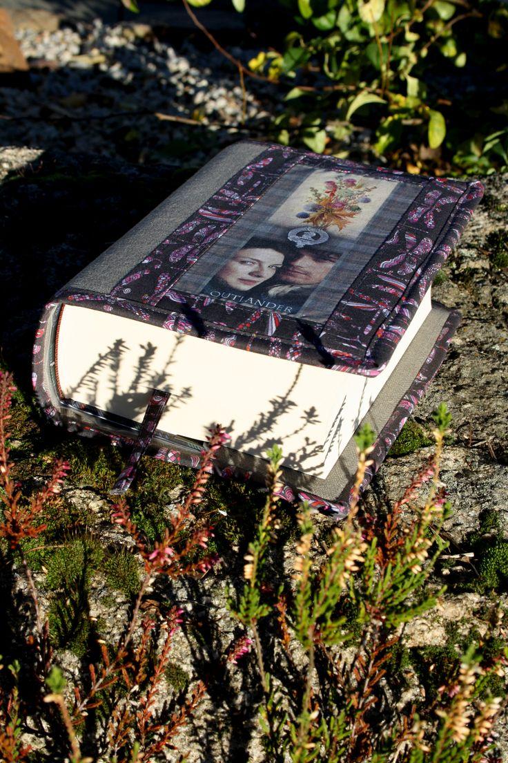 obal na knihu http://www.fler.cz/zbozi/sassenach-ruzova-vazka-7922055?pos=0