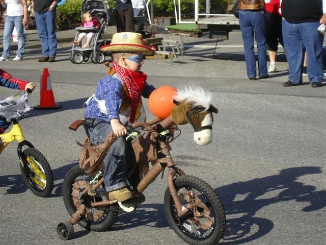 Best 25 bike parade ideas on pinterest bike decorations for Bike decorating ideas