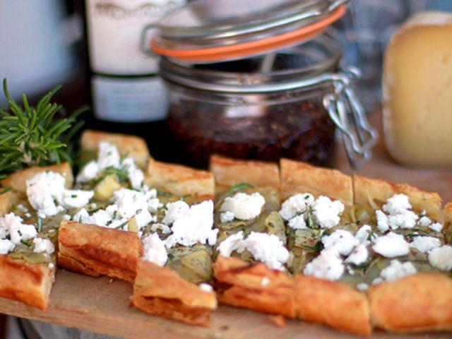 Potatis- och getostflarn med vitlök och timjan (kock Leila Lindholm)