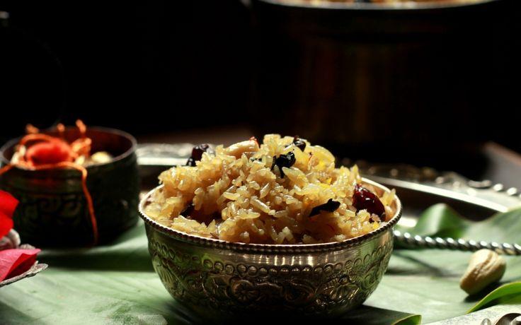 Maharashtrian Narali Bhaat Recipe (Sweetened Coconut Rice)