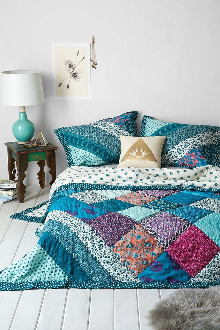 Bed sheet design patchwork - Plum Bow Flora Patchwork Quilt Urban Outfitters
