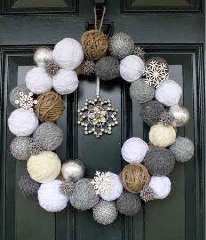 Couronne de Noël en pelotes de laine  http://www.homelisty.com/diy-noel-49-bricolages-de-noel-a-faire-soi-meme-faciles/
