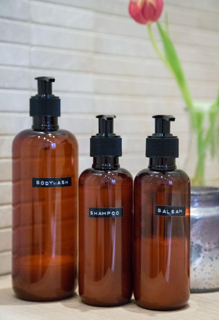 Sonoma Seven | DIY: Dymo on brown phamacies bottles | http://sonomaseven.dk