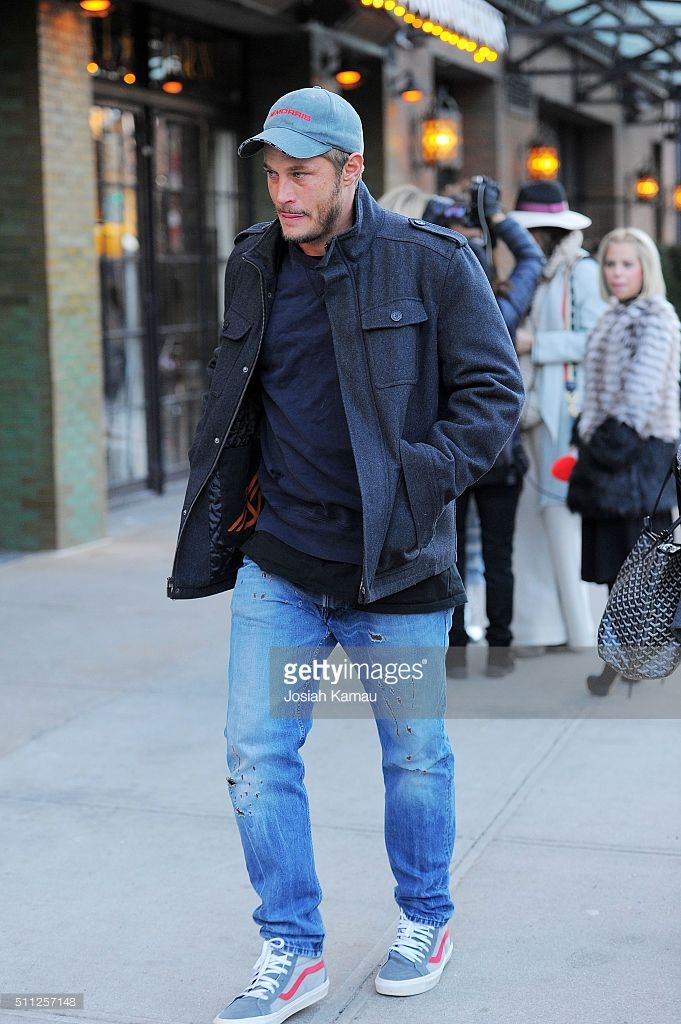 Travis Fimmel [VIKINGS ACTOR] Out and about in NYC 2/18/16.  Discussion Thread - Page 34