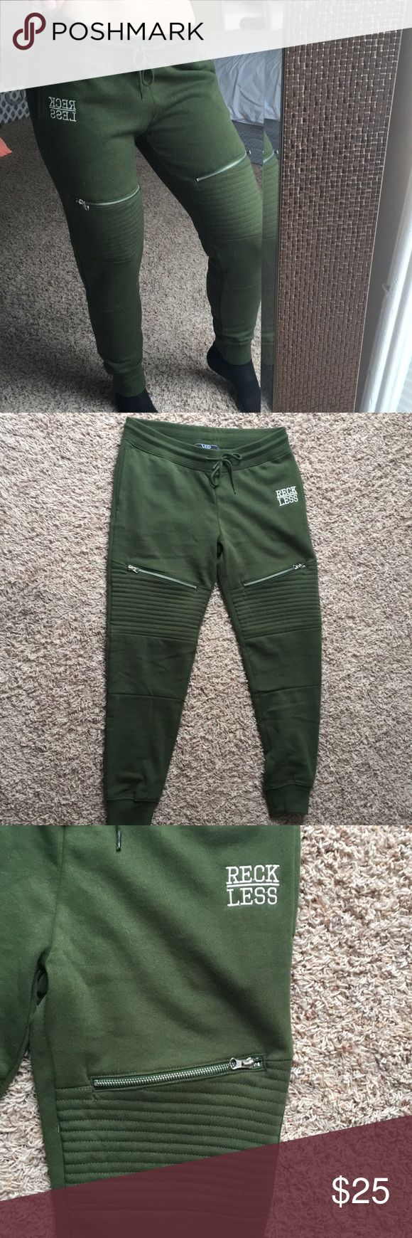 Young & Reckless Jogger Sweatpants with Zippers Brand New! Never worn, only tried on. Simply too big and I could not return them since it was an all sales final purchase. Absolutely love them otherwise! Young & Reckless Pants Track Pants & Joggers