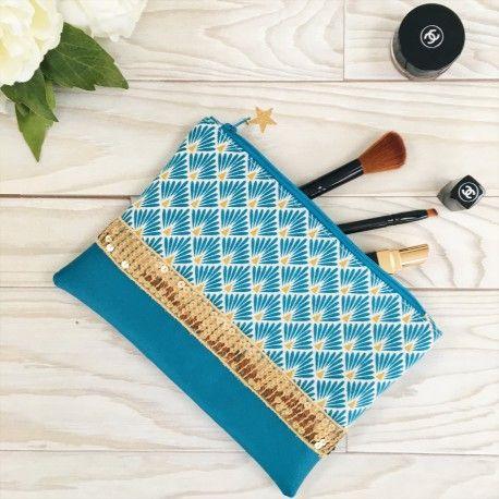 Pochette bleue paillettes dorées. Clutch, bag, trousse