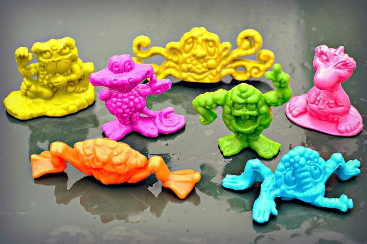 THE FREAKIES  from the Freakies cereal. They lived in a tree!!