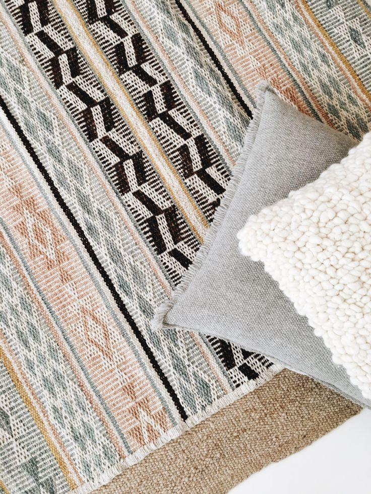pampa rugs & cushions