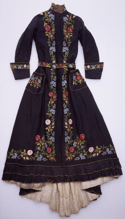 Embroidered Dress, ca. 1880: Artists, Gift, Coats Border, Grand Dresses, Embroidered Dresses, Linens, Awesome Coats