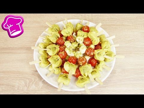 Tortellini Spieße   Finger Food Idee mit Tomaten, Mozzarella & Pesto   Super lecker & einfach - YouTube