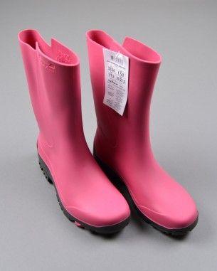 Botas de agua marca Decathlon (talla 33) 8,65€ http://www.quiquilo.es/catalogo-ropa-segunda-mano/botas-de-agua-con-suela-gris-color-rosa-marca-decathlon.html
