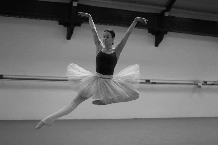 galina-ulanova:  Ludmila Pagliero rehearsing Swan Lake (Paris Opera Ballet 2016)