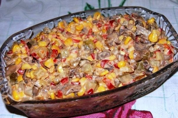 salat-s-gribami-i-kukuruzoy-klassicheskiy