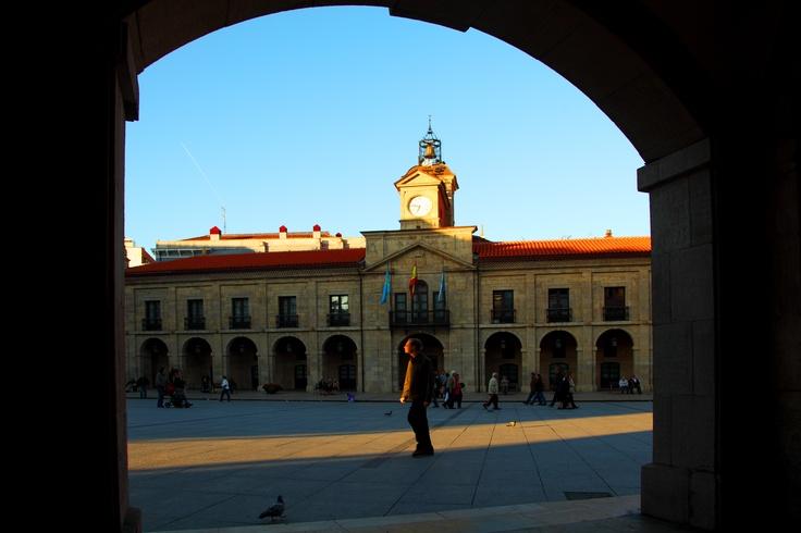 Plaza de España, Ayuntamiento de Avilés / Spain Square, Town hall of Aviles  www.facebook.com/EnjoyAsturias