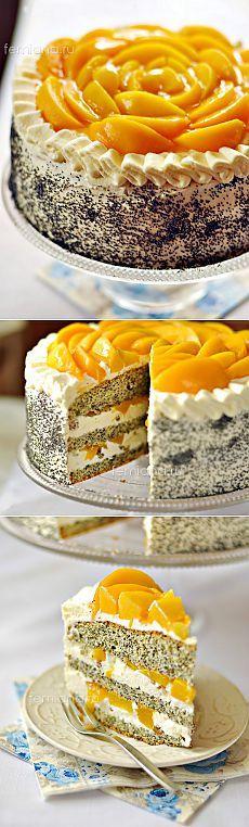 Праздничный маковый торт с консервированными персиками и кремом из взбитых сливок