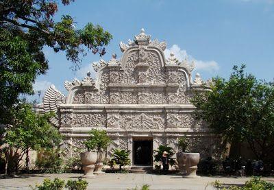 Fachada del Palacio del Agua de Yogyakarta
