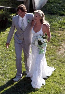 Jerry O'Connell and Rebecca Romijn at Their Wedding - click through for details on their wedding.