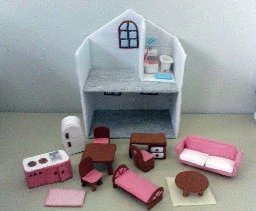Felt dollhouse - I may need to make a felt craft boardFelt Dollhouse, Dollhouse Email, Felt Crafts, Felt Miniatures, Felt Pattern, Dollhouse Ideas, Miniatures Dollhouse, Miniature Dollhouse, Dolls House