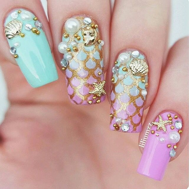 By the seashore! Amazingly detailed and perfect mani by @liliumzz!  * Scale #NailVinyls  www.snailvinyls.com