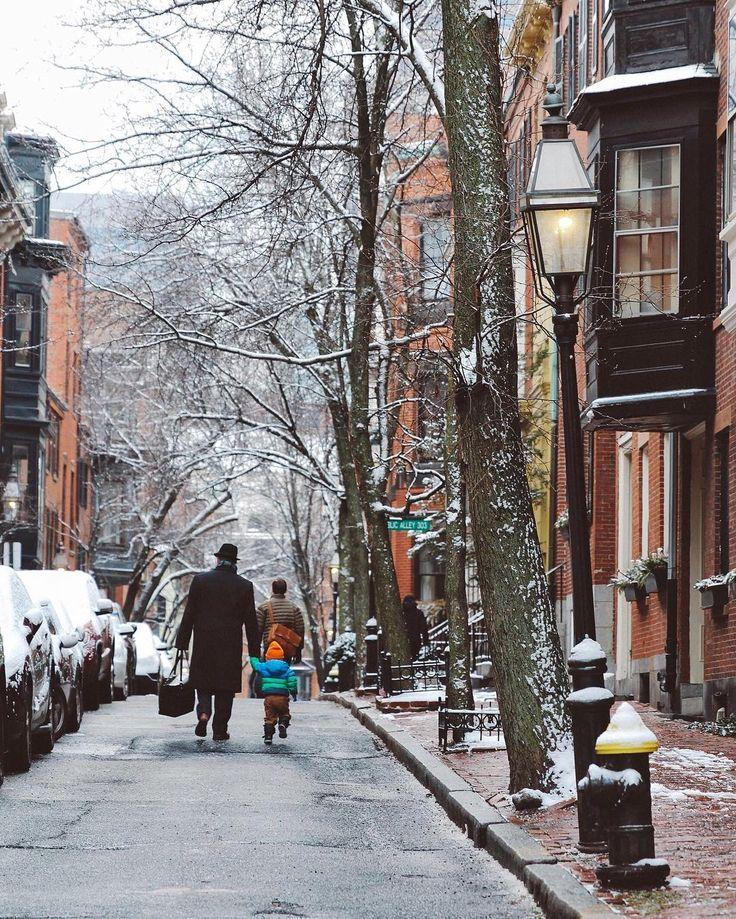 ***Snow in Boston (Massachusetts) by Renee (@heythereney)