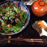 こうそカフェ85 - 料理写真:酵素どんぶり¥850 酵素玄米にヒジキの炊いたんと生野菜がのった酵素どんぶり、今なら汁物、漬物がサービスで付きます。