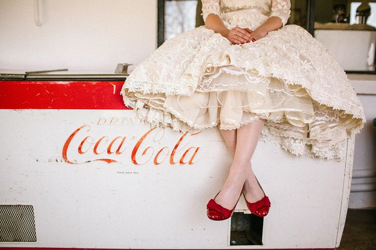 Coca Cola, red wedding shoes, vintage wedding dress http://www.kikitography.com/project/dirk_and_ulrike/