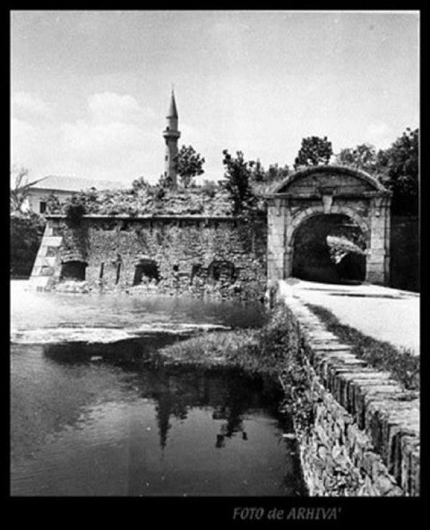 Ada-Kaleh, insula cu turban înghiţită de apele lacului de la Porţile de Fier I | adevarul.ro