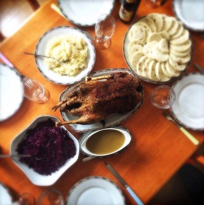 Pečená kachna — pomalu upečená a přesto křupavá