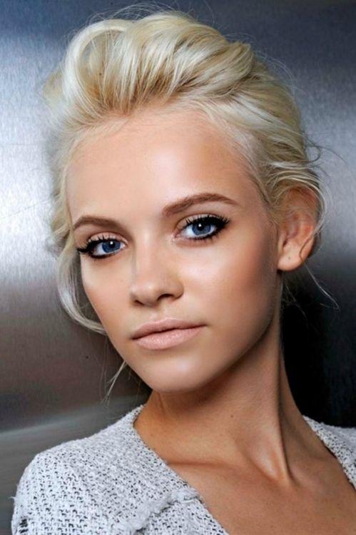 Glowy skin, black liner, matte nude lips- blonde hair love ...
