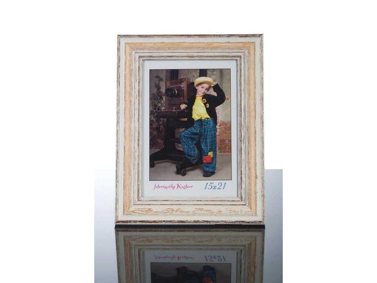 Nové rámy, které mají krásnou starou patinu.      Vhodné převážně pro originální či renovované staré fotografie.     Pro fotografie  13x18 - 60x90cm.