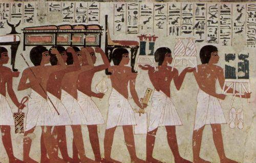 A L'origine des cosmétiques étaient utilisés pour l'embaumement des morts. Je vous raconte l'histoire du maquillage à travers les âges... On commence par l'histoire du maquillage sous l'antiquité égyptienne...
