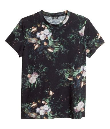 T-shirt in cotton jersey with a printed pattern. Casual fit.   H&M For Men
