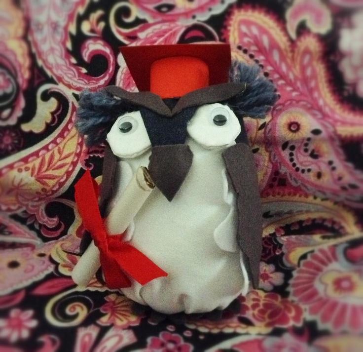 l'ho fatto io! Gufo di stoffa imbottito con lanetta per cuscini, ideale per bomboniere di laurea!