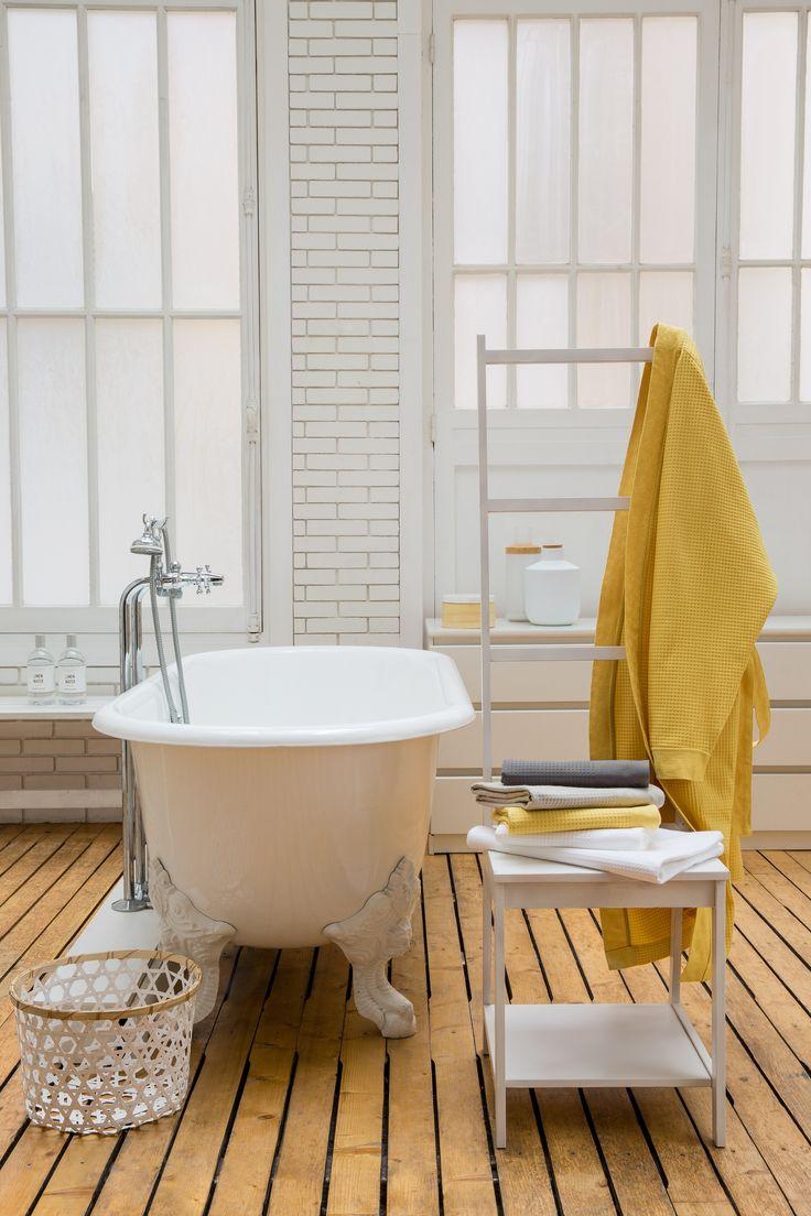 Les 25 meilleures id es de la cat gorie salles de bains - Decoration salle de bain jaune et bleu ...
