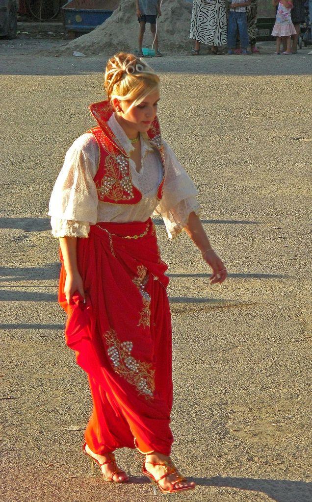 133 best images about style traditional folk romani kalderash gypsy gitano romanian hungary - Traditional style wedding romania ...
