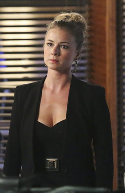 """Emily Thorne from """"Revenge"""" played by Emily VanCamp in Michael Kors Strapless Jumpsuit – 3x05 """"Control"""""""