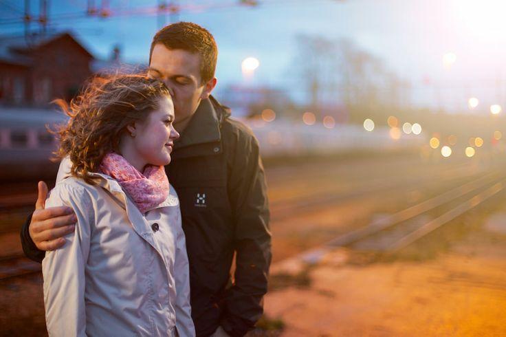 Porträtt, förlovat par life style/ Portrait, couple with lens flare
