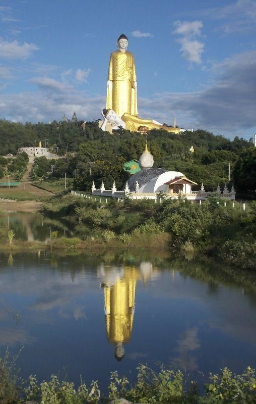 Standing Buddha, Monywa, Myanmar Copyright: Roser Giner