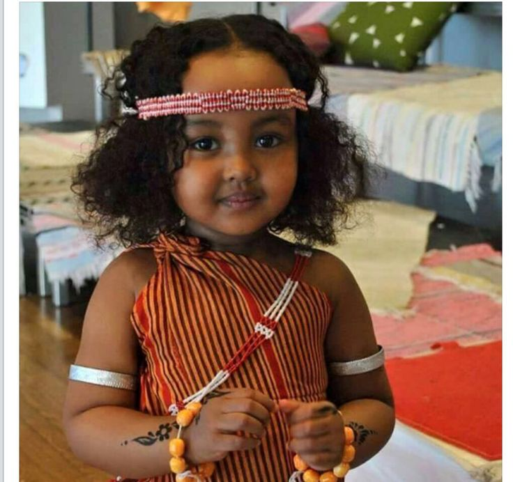 Little Girl In Somali Traditional Clothing All Things