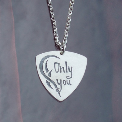 Plectrum pendant in Sterling silver with engravings handmade.