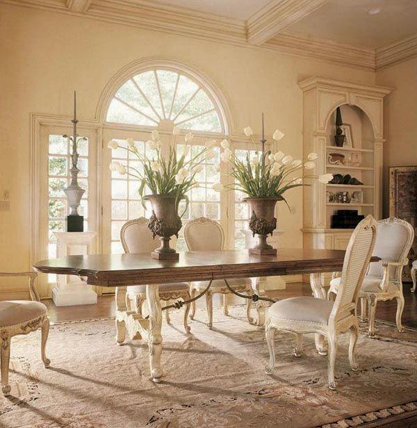 Comedor con sillas francesas luis XV_via Walter E Smithe