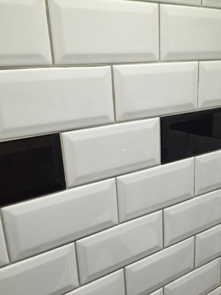 25 beste idee n over zwarte metro tegels op pinterest witte metro tegels metro tegels - Tegel metro bordeaux ...