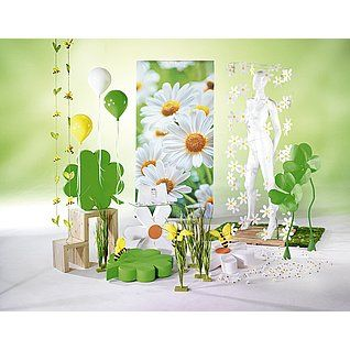 Dekoidee Margeriten Imposante XXL-Blüten und Kleeblätter aus Hartschaum bestechen neben Kunststoff-Luftballons und zarten Margeriten. Grün- und Gelb-Töne neben weißen Elementen verkörpern dabei die Frische des Frühlings.  http://www.decowoerner.com/de/Saison-Deko-10715/Fruehling-Ostern-10729/Komplette-Dekoideen-Fruehling-Ostern-11324/Dekoidee-Margeriten-641.005.00.html