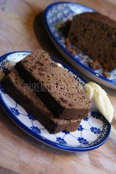 Voor iedereen die graag kruidkoek eet maar voor een betere versie dan de kruidkoek (per plakje bevat deze namelijk zo'n 3 suikerklontjes!) uit de supermarkt wil gaan. En..omdat de puur en lekker leven kruidkoek ook nog eens veel lekkerder is (al zeg ik het zelf). Ik koos voor biologisch roggemeel van de molenaar als hoofdbestanddeel. De suikers in rogge …