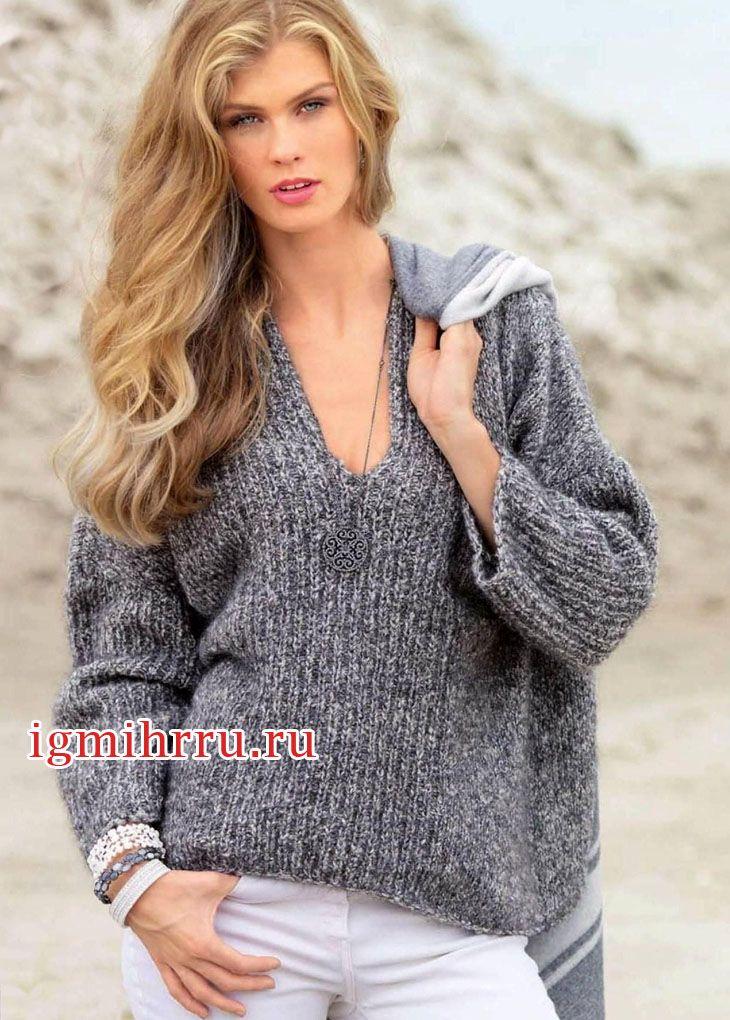 Серый меланжевый пуловер свободного покроя. Вязание спицами