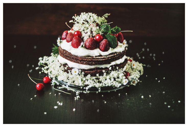 #nakedcake #golas #cake #birthdaycake #strawberries #cherries #czarnybez #bez #krem #śmietana #truskawki #tort #ciasto #urodziny #mięta
