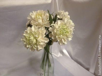 Букет белых пионов. Букет роскошных белых пионов с бутонами на полноценных длинных ножках для высокой вазы( можно уменьшить длину) . Прекрасное украшение любого интерьера в выдержанном стиле : интеллигентно и роскошно.