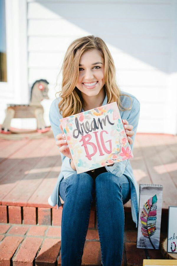 Sadie Robertson shows many ways to walk in your faith